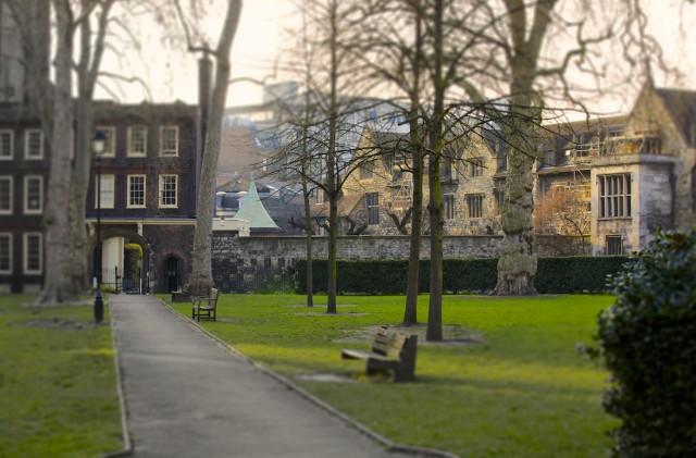 Charterhouse Square, Smithfield © Simon Montgomery