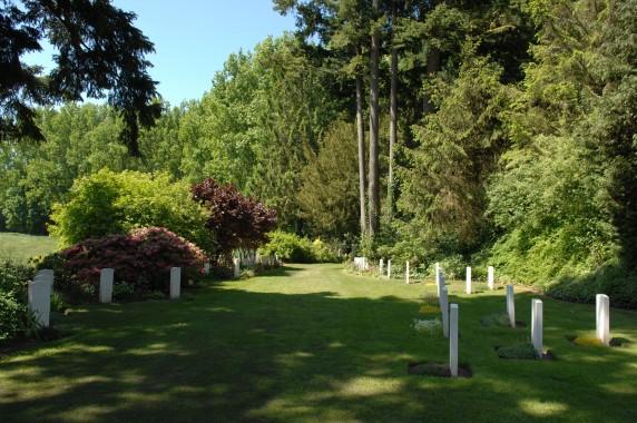 st symphorien military cemetery - © j. jeanmart